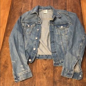 H&M slightly distressed classic style jean jacket